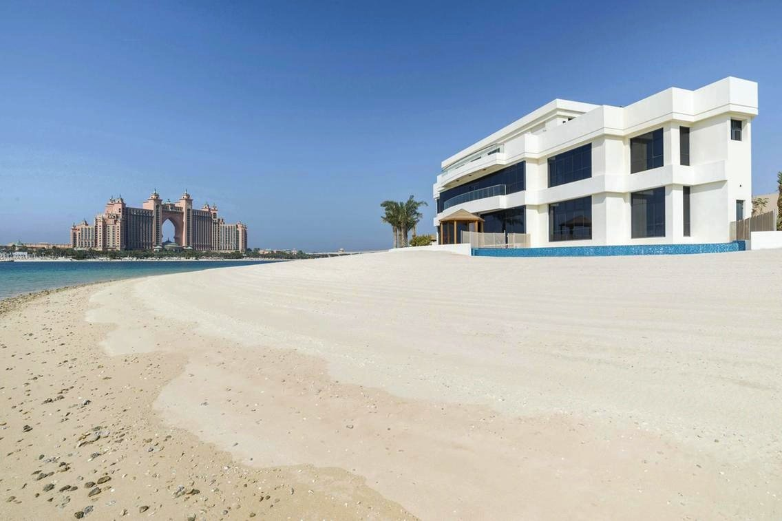 G Frond Land on Palm Jumeirah